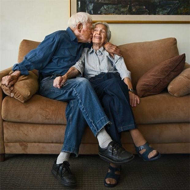 Ông bà Morie và Betty Markoff