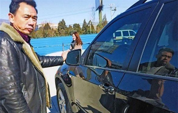 Nam sinh được thưởng 33 triệu đồng dù làm hỏng xe BMW - 2