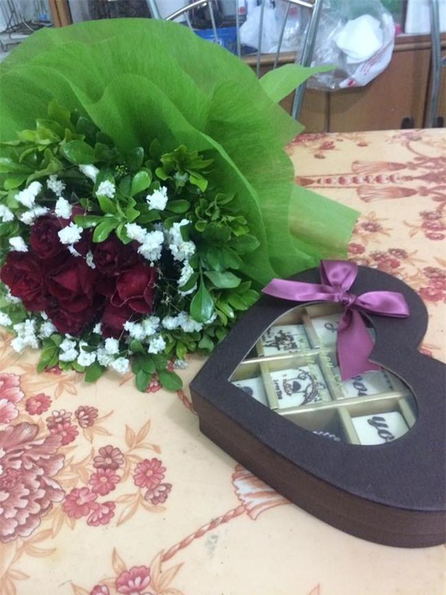 Hỏi thế gian Valentine là chi mà người rộn ràng khoe hoa quà sang chảnh, người chiếc bóng 1 mình bên củ khoai lang - Ảnh 6.