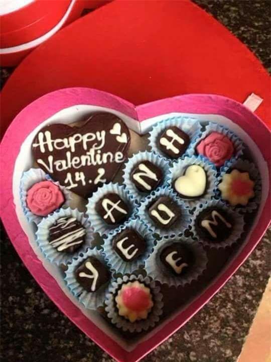 Hỏi thế gian Valentine là chi mà người rộn ràng khoe hoa quà sang chảnh, người chiếc bóng 1 mình bên củ khoai lang - Ảnh 7.