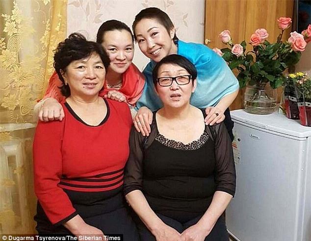 34 năm nuôi nhầm con gái người ta, bà mẹ bất ngờ phát hiện sự thật về thân thế của mình - Ảnh 6.