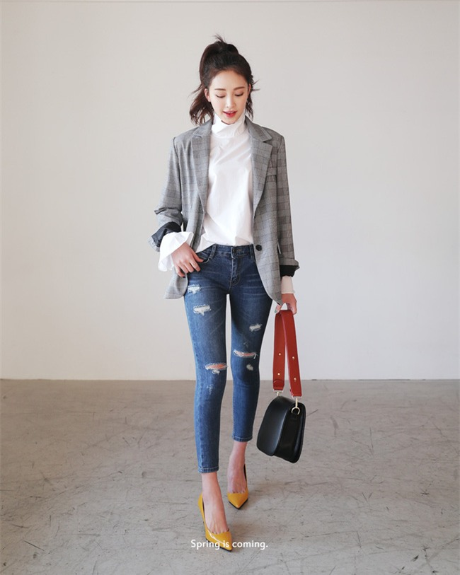 Áo tay loe và những cách điệu hợp mốt các nàng nên sắm ngay cho mùa xuân này - Ảnh 22.