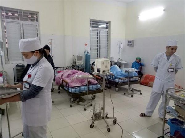 Vụ nghi ngộ độc sau khi ăn cưới ở Hà Giang: Con số nhập viện lên 87, công bố thực đơn đám cưới - Ảnh 1.
