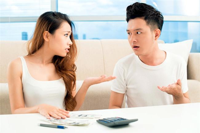 Vợ 8x phát lương...100 nghìn mỗi ngày cho chồng - Ảnh 4.