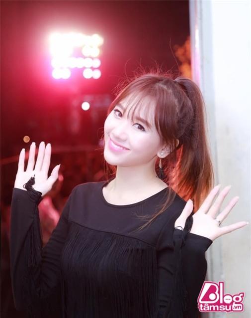 tran-thanh-khong-deo-nhan-cuoi-blogtamsuvn8