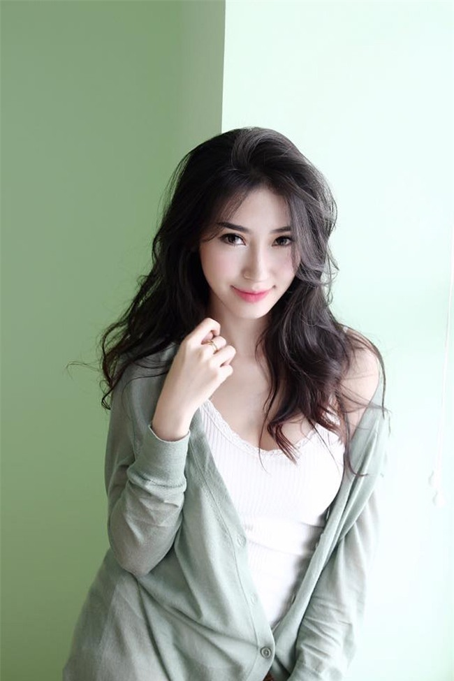 ban-gai-sexy-chan-dai-the-nay-bao-sao-ngo-kien-huy-si-me-suot-7-nam-blogtamsuvn017