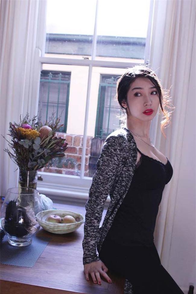 ban-gai-sexy-chan-dai-the-nay-bao-sao-ngo-kien-huy-si-me-suot-7-nam-blogtamsuvn03