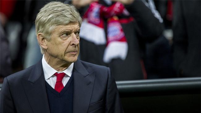 Fan Arsenal ấm lòng vì phản ứng tinh tế của Hoàng tử Harry - Ảnh 2.