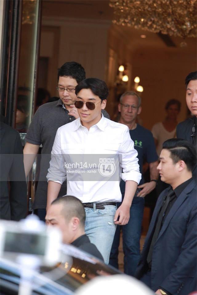 Cập nhật: Seungri diện áo sơ mi trắng soái ca, xuất hiện cực cool ngầu tại sân bay - Ảnh 18.