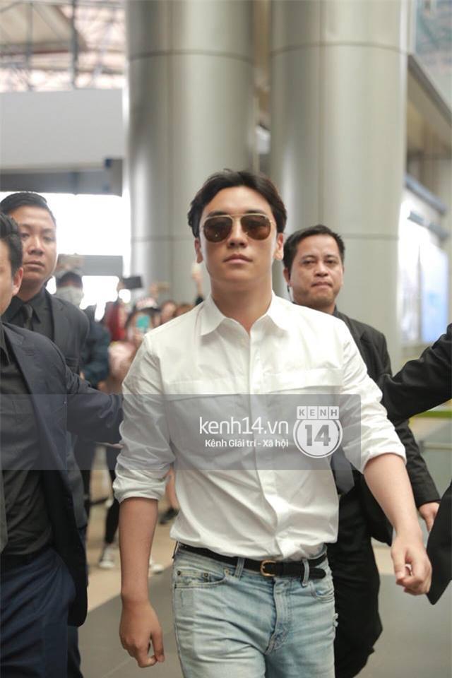 Cập nhật: Seungri diện áo sơ mi trắng soái ca, xuất hiện cực cool ngầu tại sân bay - Ảnh 3.