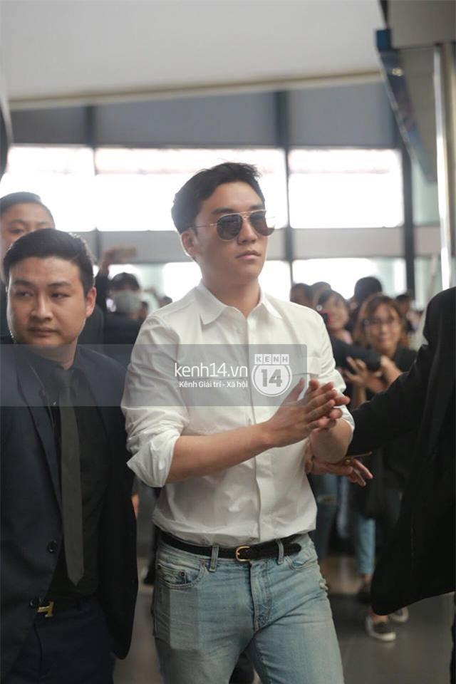 Cập nhật: Seungri diện áo sơ mi trắng soái ca, xuất hiện cực cool ngầu tại sân bay - Ảnh 5.