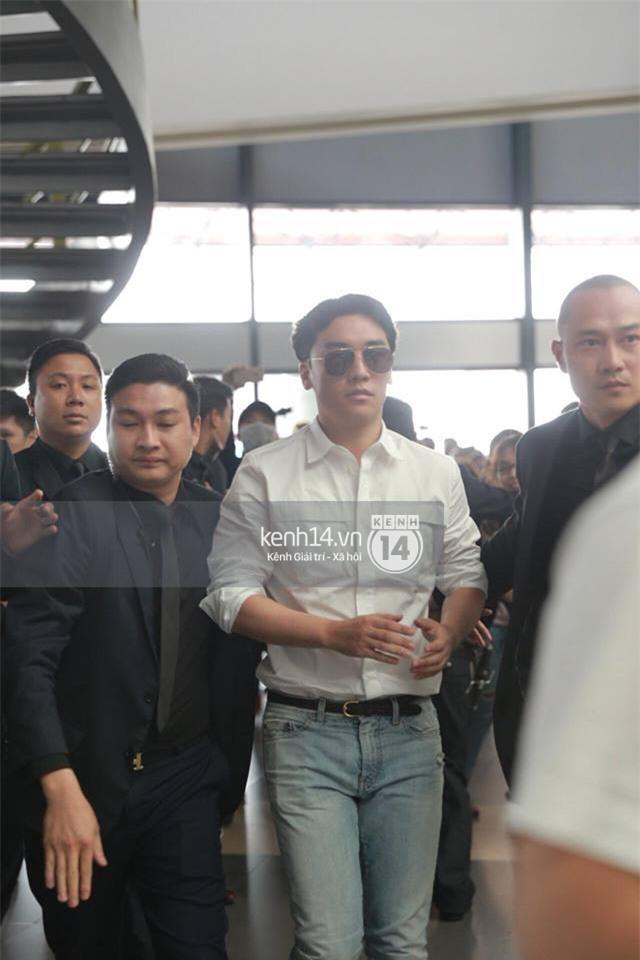 Cập nhật: Seungri diện áo sơ mi trắng soái ca, xuất hiện cực cool ngầu tại sân bay - Ảnh 6.