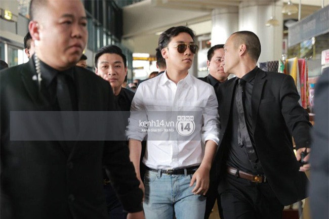 Cập nhật: Seungri diện áo sơ mi trắng soái ca, xuất hiện cực cool ngầu tại sân bay - Ảnh 9.
