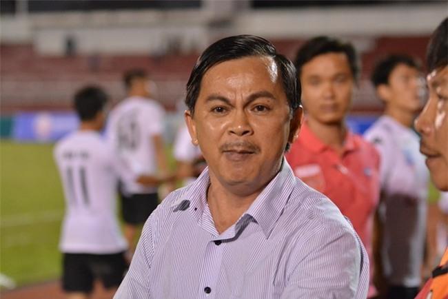 Tối 19/2, Chủ tịch Võ Thành Nhiệm của CLB Long An rất bức xúc và có những hành động thiếu kiềm chế về quyết định của trọng tài.