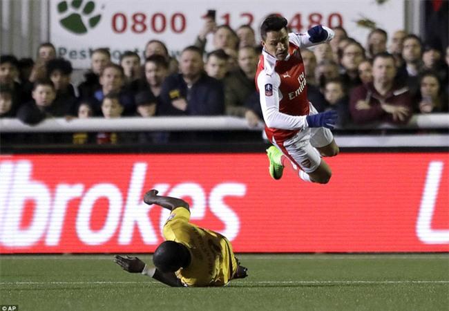 Vượt qua đội bóng nghiệp dư, Arsenal thẳng tiến vào tứ kết FA Cup - Ảnh 18.