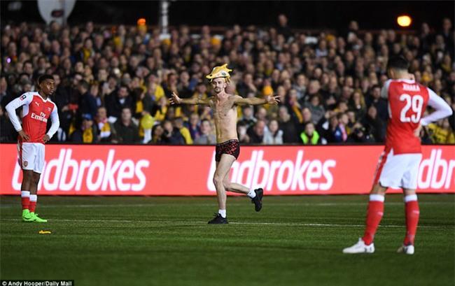 Vượt qua đội bóng nghiệp dư, Arsenal thẳng tiến vào tứ kết FA Cup - Ảnh 19.