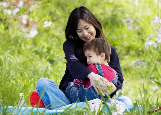 """""""Nếu la mắng con, hãy hoàn thành trong 7 giây""""- bí quyết dạy con ngoan của bố mẹ Nhật - Ảnh 1."""