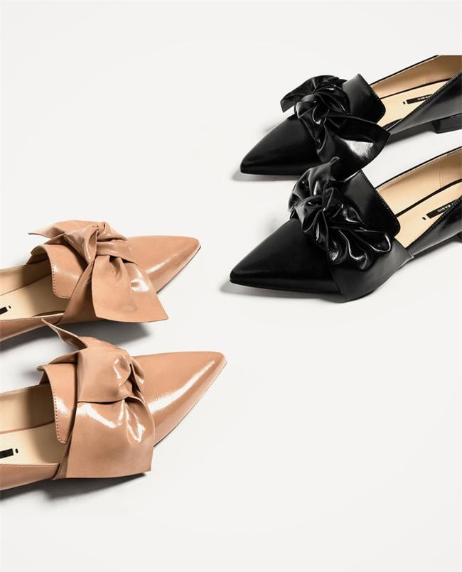 Xu hướng giày dép 2017: Thời đại của những thiết kế bánh bèo thắt nơ - Ảnh 1.