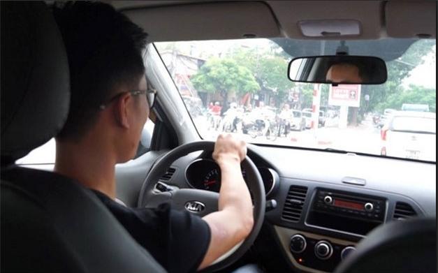 Hành trình Uber vào Việt Nam, Uber Việt Nam, Uber bị cấm, thu thuế uber, uber trái phép
