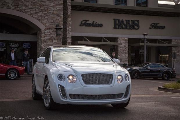 Phần đầu xe đặc trưng của xe Bentley.