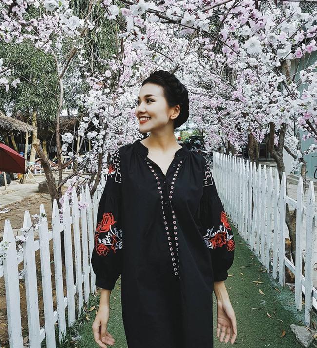 Váy áo họa tiết thêu: Đâu mới là kiểu dáng đáng sắm nhất cho Xuân/Hè 2017 này - Ảnh 12.
