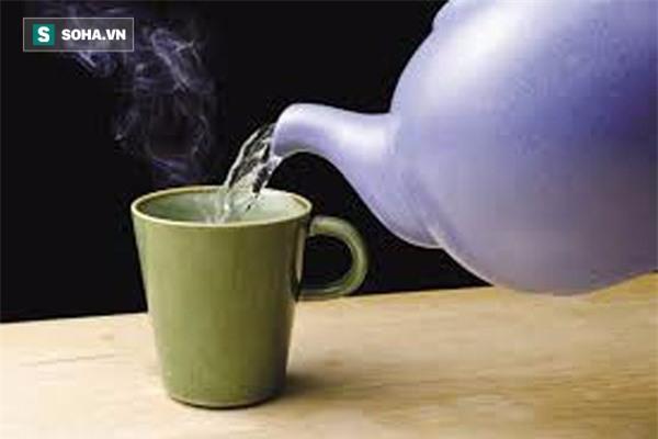 1001 lý do nên uống nước ấm vào mỗi buổi sáng ngay sau khi ngủ dậy - Ảnh 2.