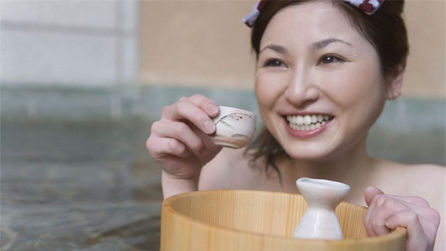 Nhờ cách dưỡng da bá đạo này mà phụ nữ Nhật không bao giờ có mụn - Ảnh 1.