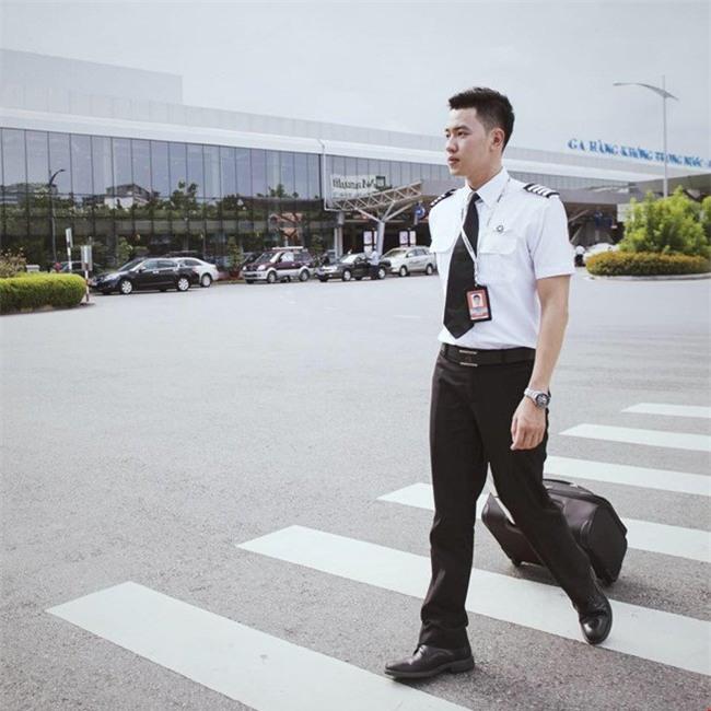 cơ trưởng, delay, máy bay trễ giờ, phi công, tiếp viên, hàng không