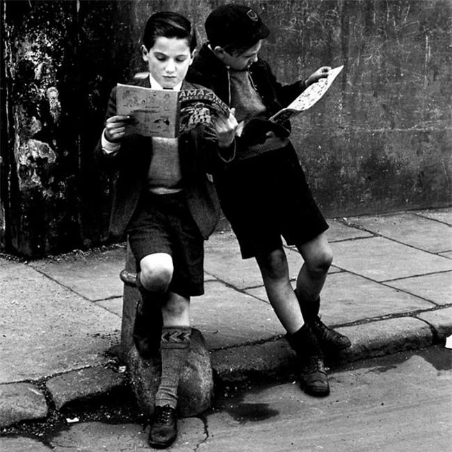 Nhìn loạt ảnh này để thấy trẻ con thời công nghệ bây giờ khác xa quá - Ảnh 5.