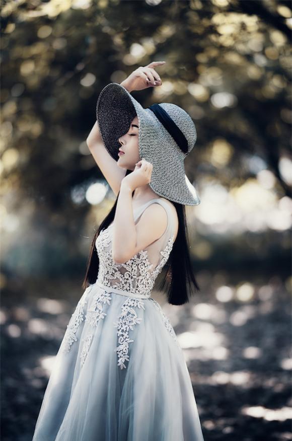 bà xã ca sĩ Việt Hoàn, nhan sắc của bà xã ca sĩ Việt Hoàn, vợ Việt Hoàn