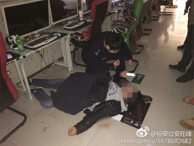 Trung Quốc: Game thủ nôn ra máu vẫn đòi mọi người đỡ dậy để chơi tiếp vì sắp thắng - Ảnh 1.