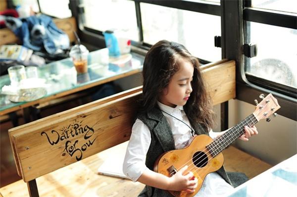 Gặp gỡ mẫu nhí Hà Thành sở hữu gương mặt xinh như Kim Tae Hee - Ảnh 2.