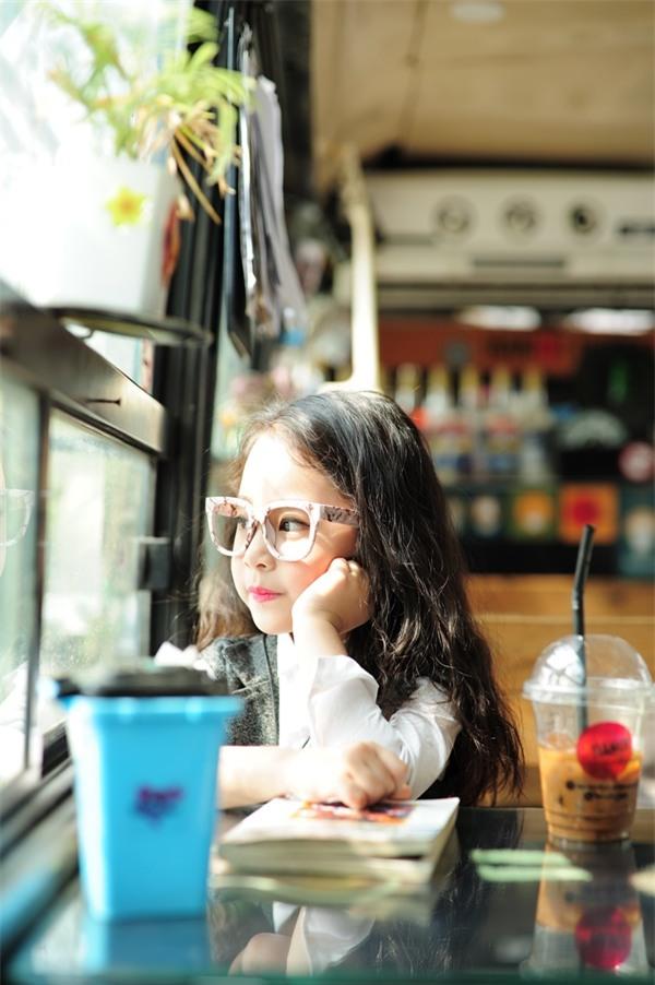 Gặp gỡ mẫu nhí Hà Thành sở hữu gương mặt xinh như Kim Tae Hee - Ảnh 4.