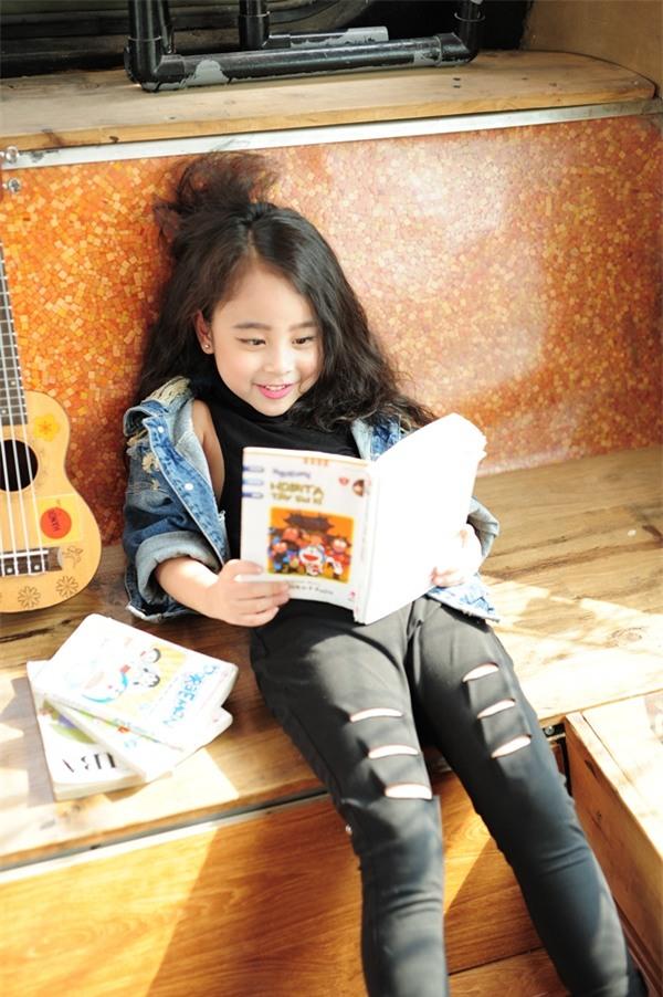 Gặp gỡ mẫu nhí Hà Thành sở hữu gương mặt xinh như Kim Tae Hee - Ảnh 8.