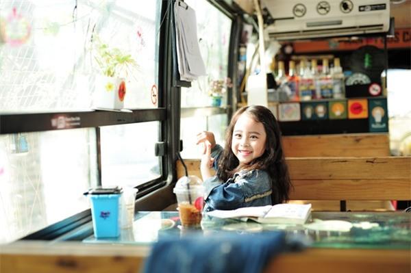 Gặp gỡ mẫu nhí Hà Thành sở hữu gương mặt xinh như Kim Tae Hee - Ảnh 9.