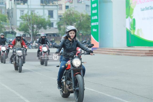 Một lần nữa, MC Anh Tuấn lại chạy chiếc xe của Trần Lập, mời anh về cùng anh em trong liveshow ý nghĩa - Ảnh 11.