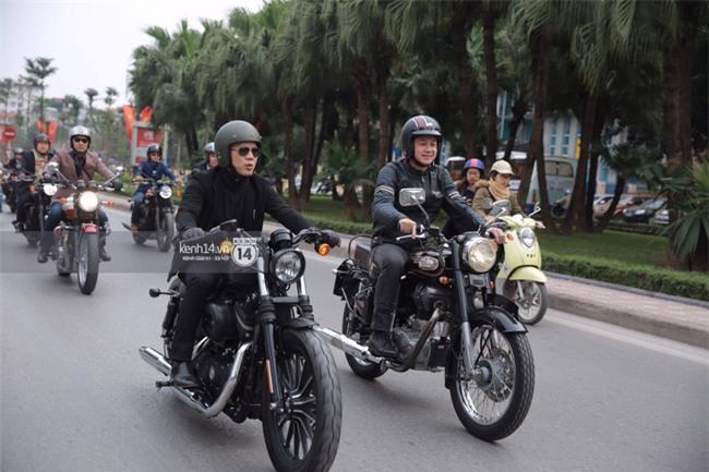 Một lần nữa, MC Anh Tuấn lại chạy chiếc xe của Trần Lập, mời anh về cùng anh em trong liveshow ý nghĩa - Ảnh 3.