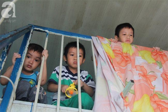 Người mẹ bán vé số vừa thất lạc đứa con út 3 tuổi ở Sài Gòn có tới 11 đứa con - Ảnh 13.