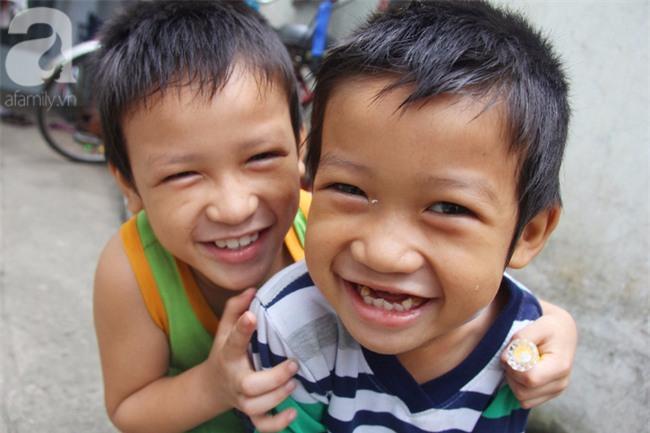 Người mẹ bán vé số vừa thất lạc đứa con út 3 tuổi ở Sài Gòn có tới 11 đứa con - Ảnh 4.