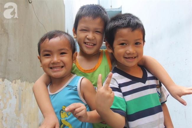 Người mẹ bán vé số vừa thất lạc đứa con út 3 tuổi ở Sài Gòn có tới 11 đứa con - Ảnh 8.