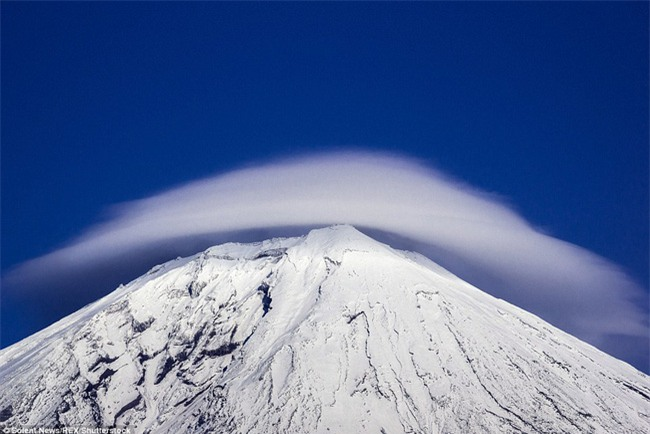 Ngây ngất với những chiếc đĩa bay được tạo thành từ mây - Ảnh 13.