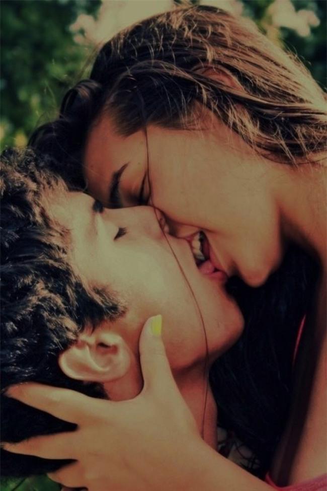 Cho chồng đọc ngay: hôn vợ trước khi đi làm sẽ giúp chồng thành công, giàu có và còn... - Ảnh 3.