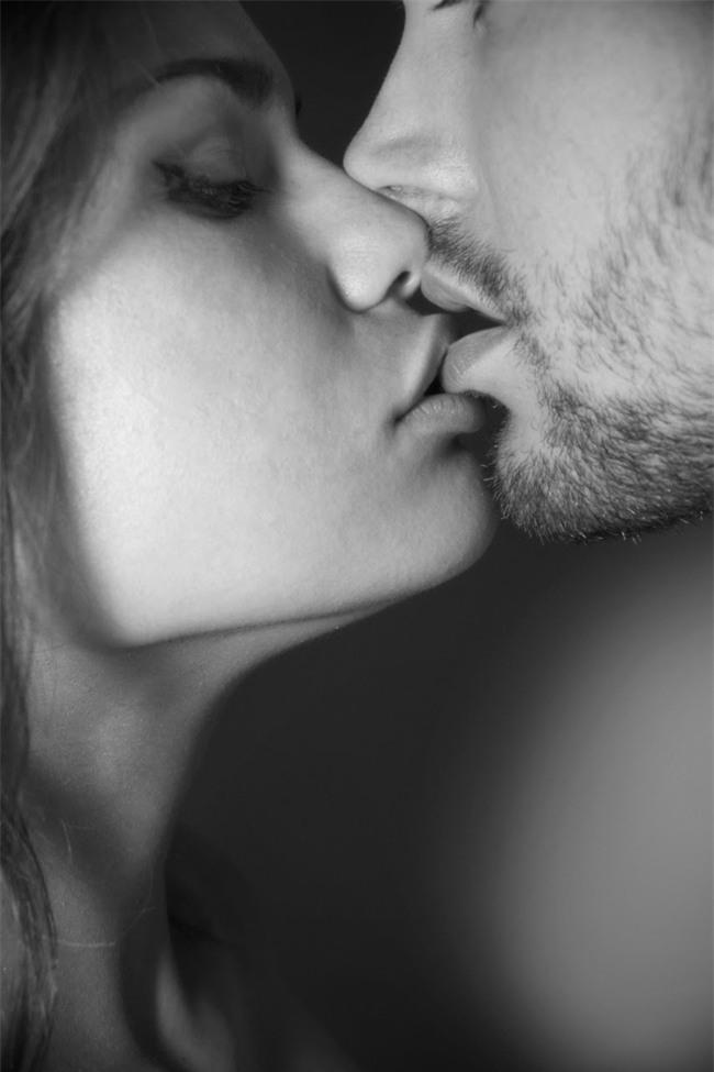 Cho chồng đọc ngay: hôn vợ trước khi đi làm sẽ giúp chồng thành công, giàu có và còn... - Ảnh 5.