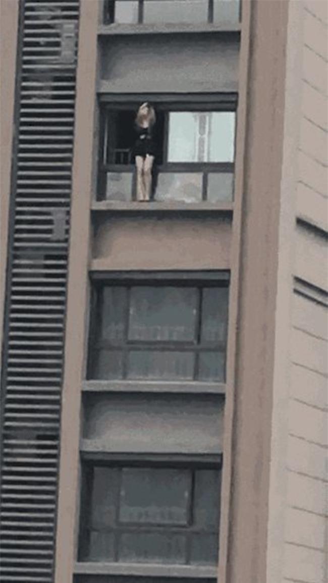 Ngay cả khi nhảy lầu tự tử, hot girl mạng xã hội Trung Quốc vẫn không quên livestream - Ảnh 1.