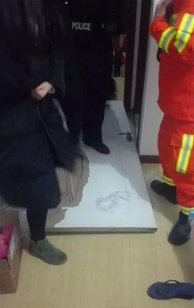 Ngay cả khi nhảy lầu tự tử, hot girl mạng xã hội Trung Quốc vẫn không quên livestream - Ảnh 4.