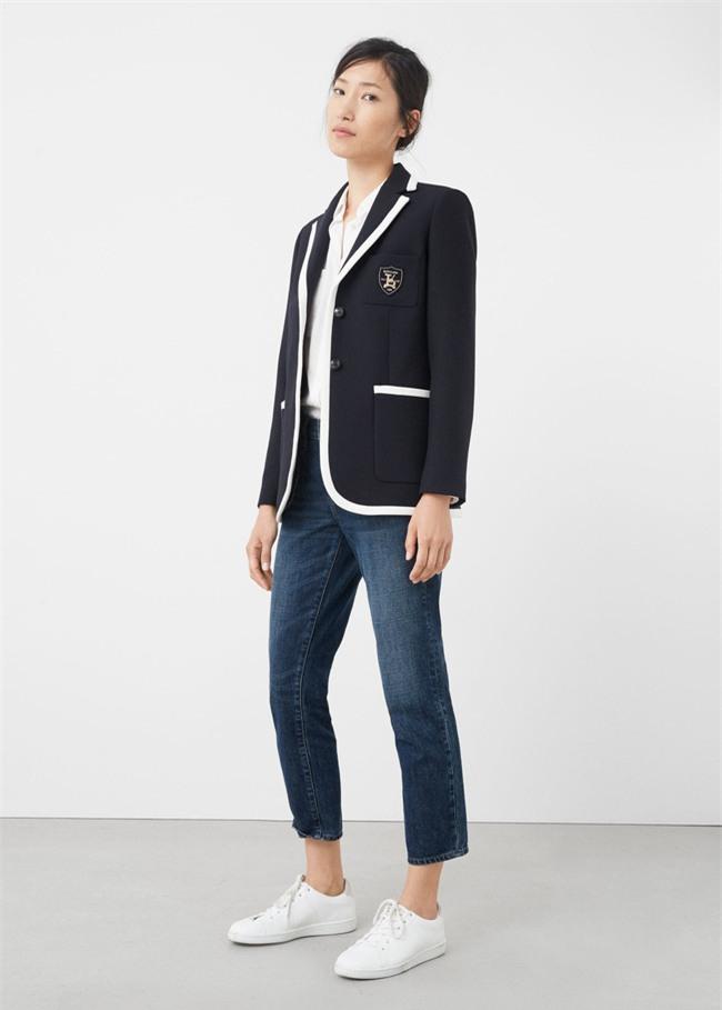Đổi gió cho trang phục công sở hàng ngày với cặp đôi trời sinh: Quần jeans và áo blazers - Ảnh 12.