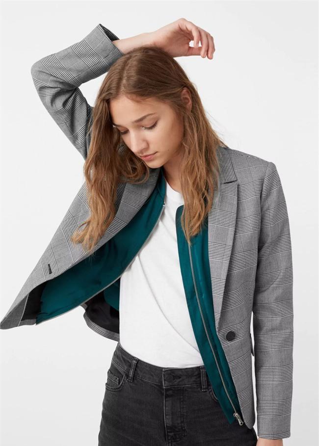 Đổi gió cho trang phục công sở hàng ngày với cặp đôi trời sinh: Quần jeans và áo blazers - Ảnh 2.