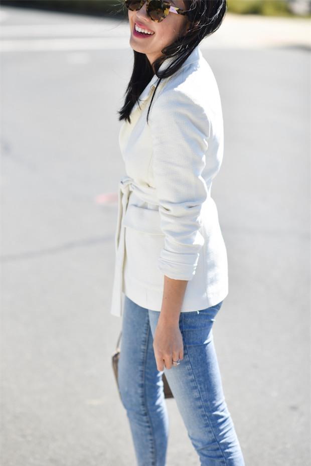Đổi gió cho trang phục công sở hàng ngày với cặp đôi trời sinh: Quần jeans và áo blazers - Ảnh 3.