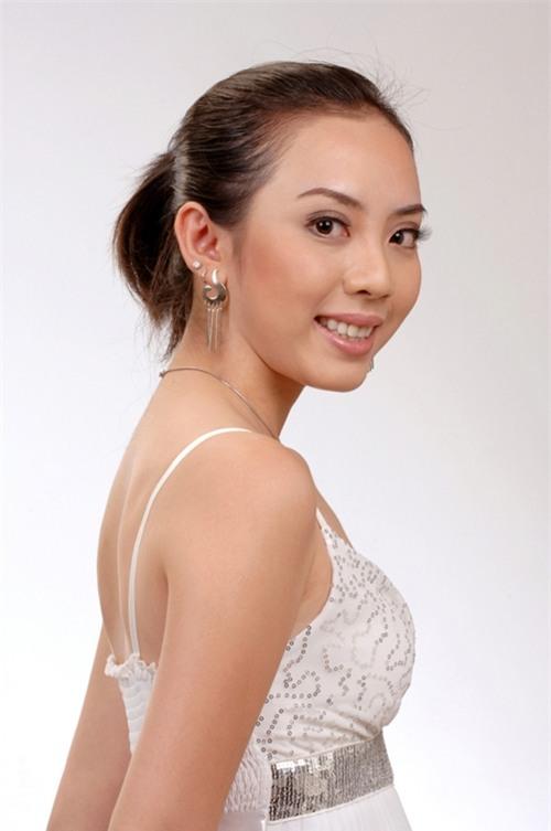 Nhìn lại hình ảnh lúc vào nghề cho đến lúc Thu Trang nổi tiếng, có thể thấyngoại hình của cô không thay đổi là bao. - Tin sao Viet - Tin tuc sao Viet - Scandal sao Viet - Tin tuc cua Sao - Tin cua Sao