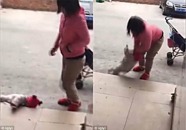 Người mẹ nhẫn tâm liên tục đá con vì cô bé không chịu nín khóc - Ảnh 2.
